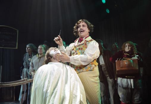 Porträtt på Sweeney Todd - Foto Per Eriksson - Markus Virta och ensemblen