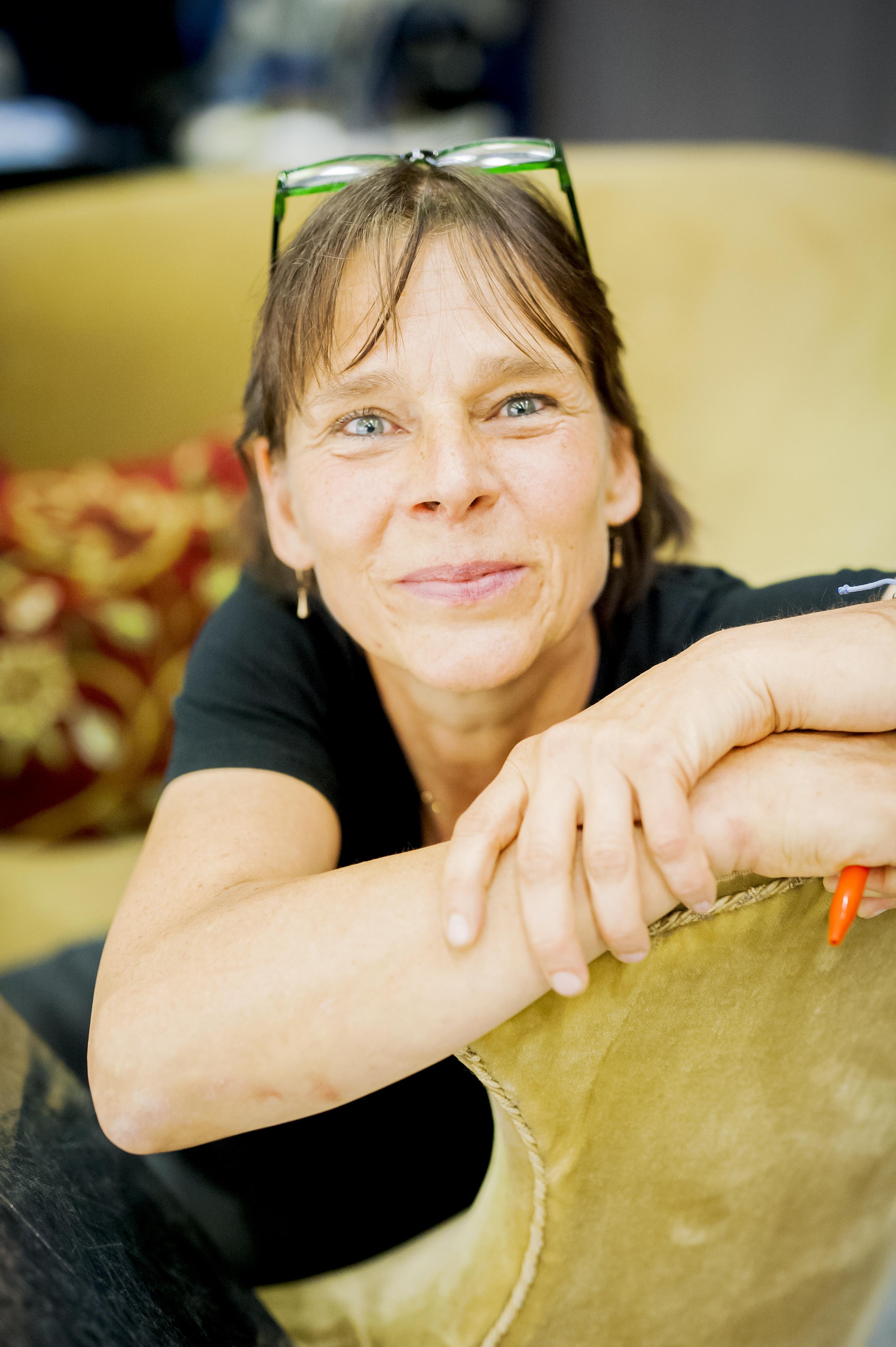 Porträtt på Lisa Hugoson, teaterchef