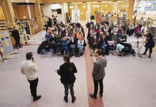 Porträtt på presskonferensen, Eftersamtal. Foto Per Eriksson